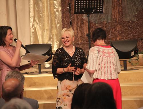 Bibelskolans 3e årskurs elever hade examen på Mirakelkonferensen idag.